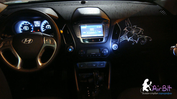 Инкрустация в салоне авто